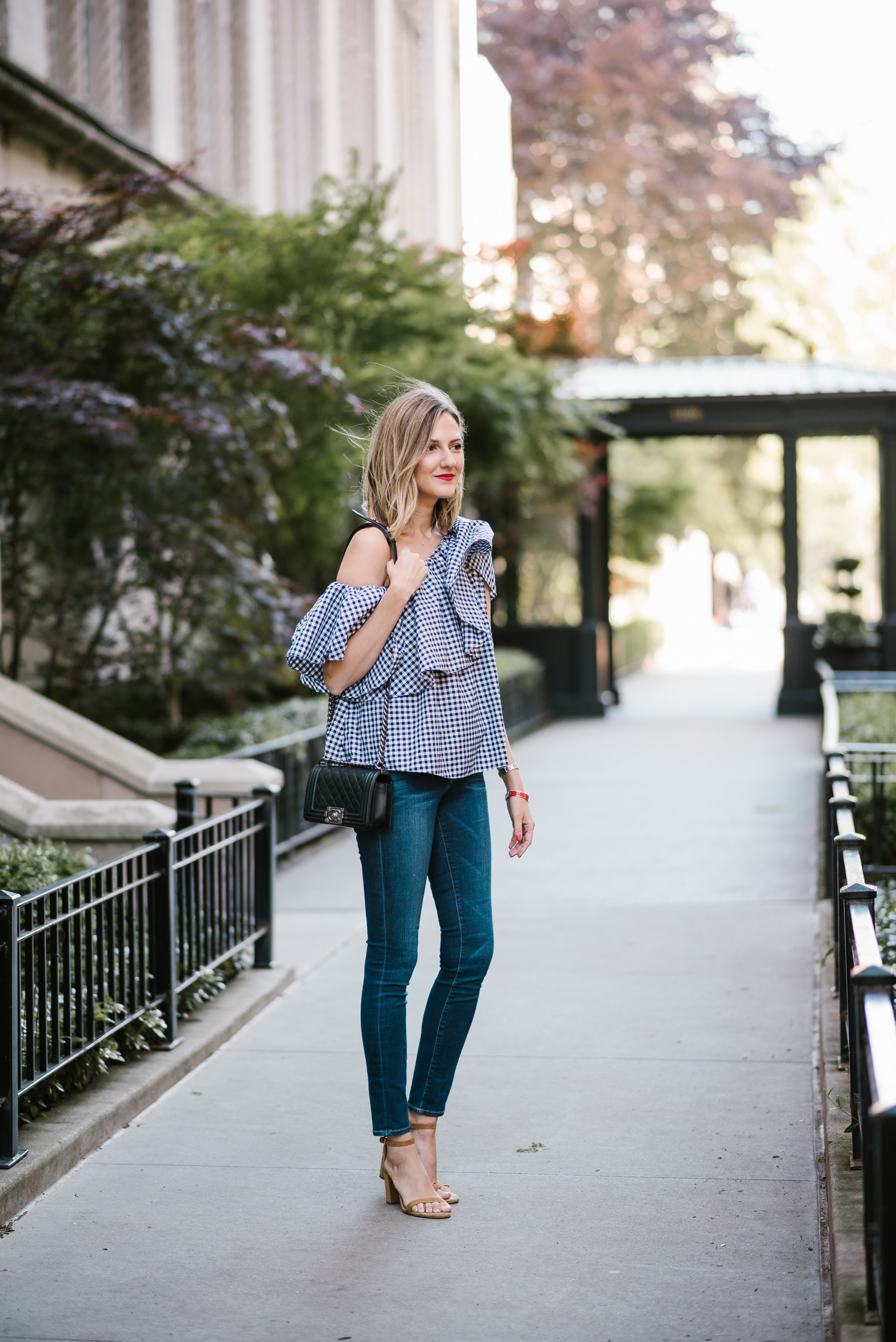 how to wear one shoulder top