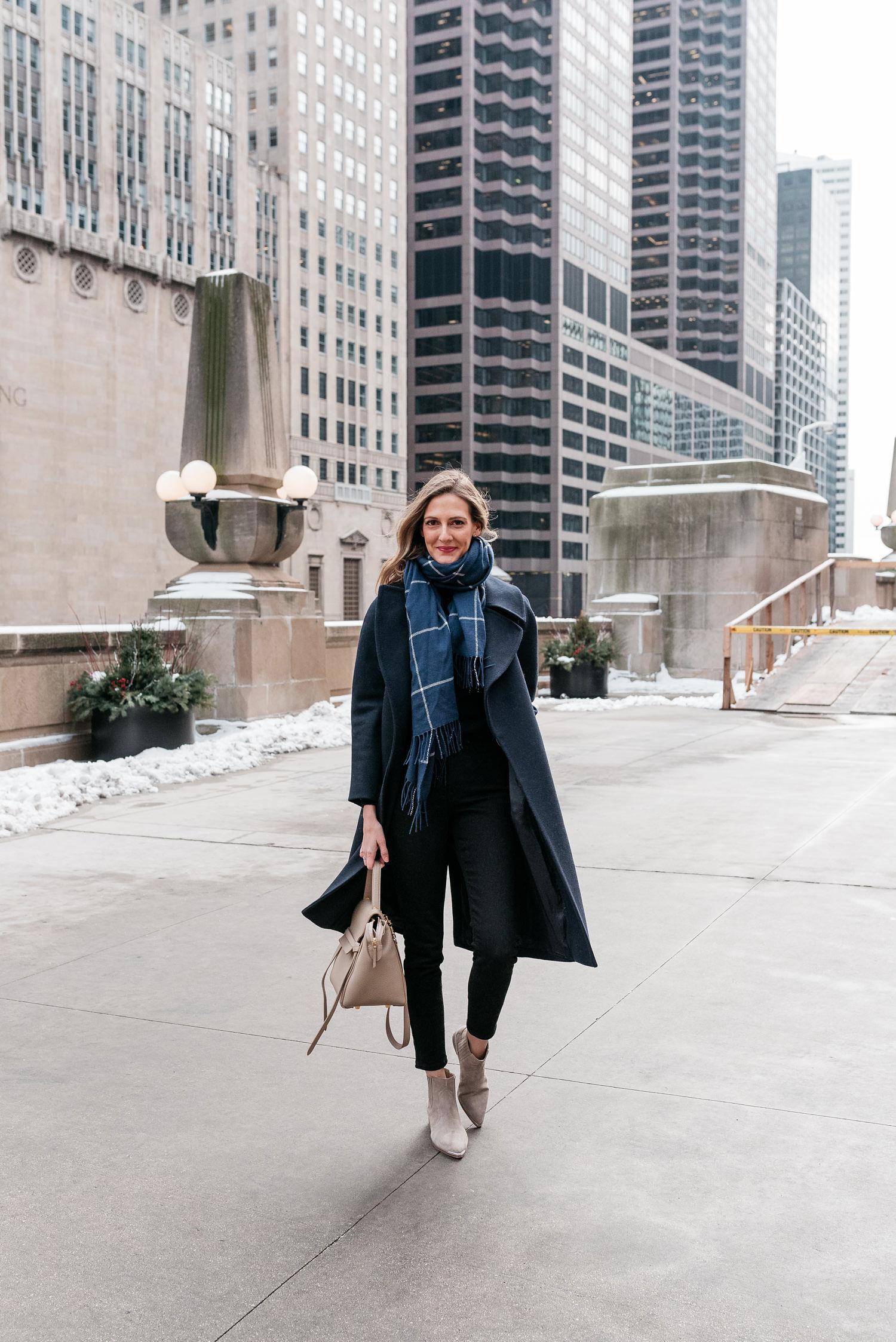 navy on navy // coldest day on record chicago winter fashion