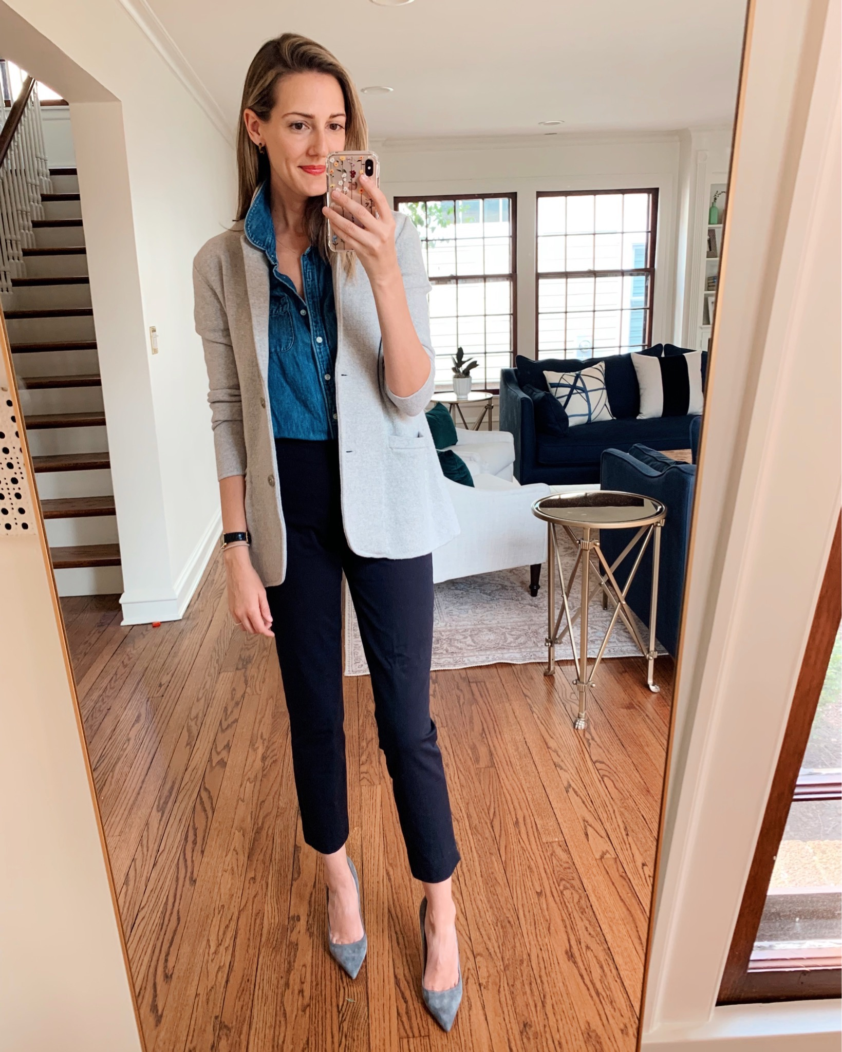 how to style a short sleeve chambray shirt