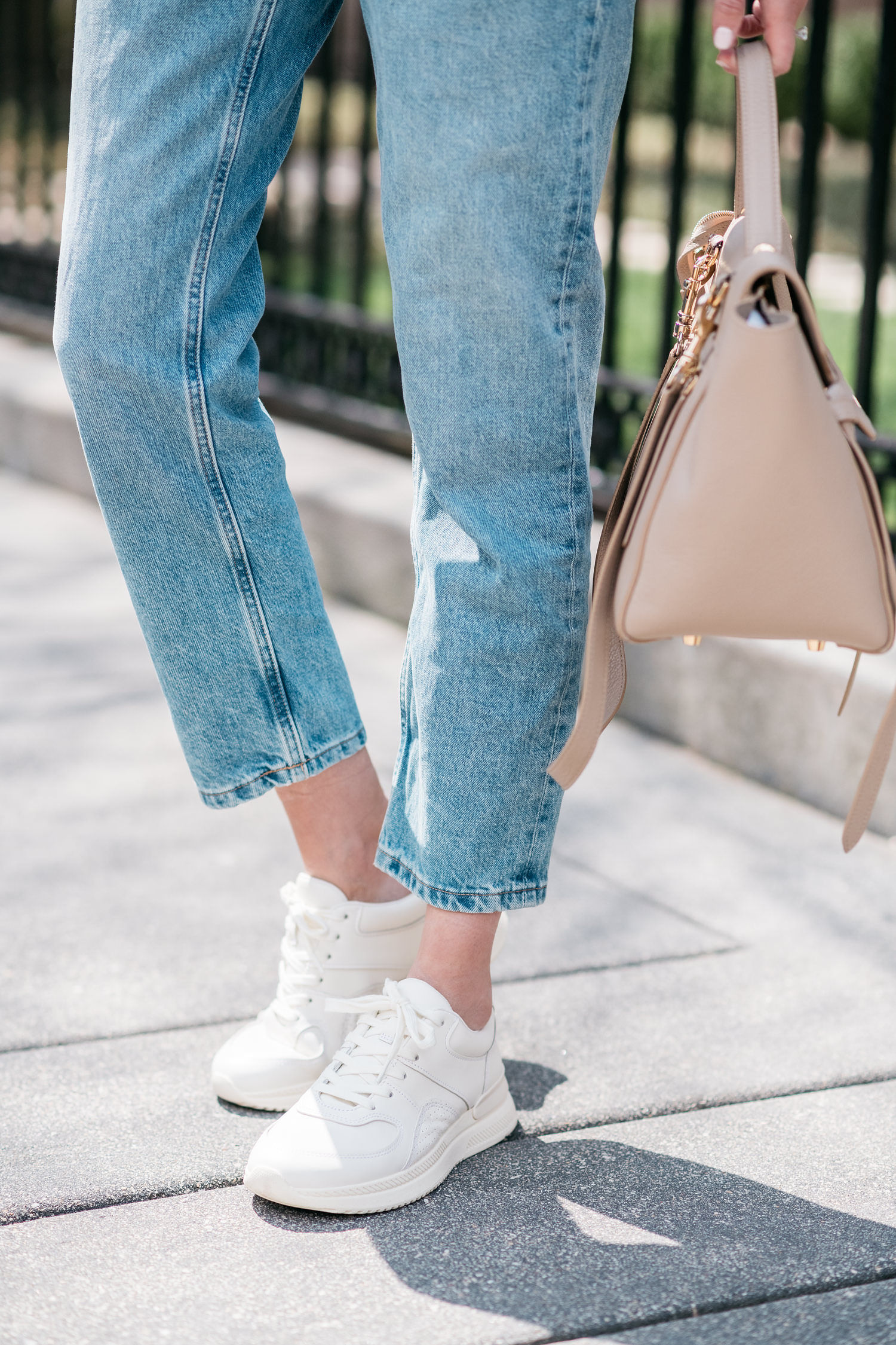 sneakers with jeans everlane tread