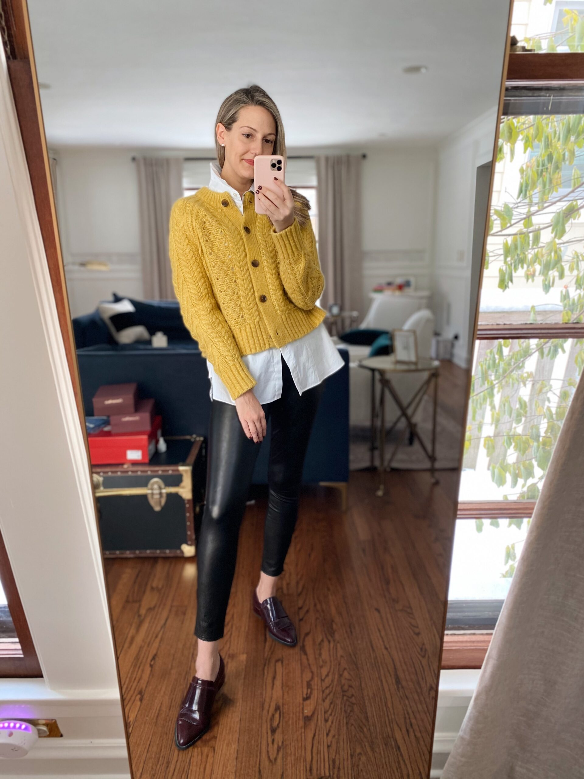 how to wear a yellow carddigan